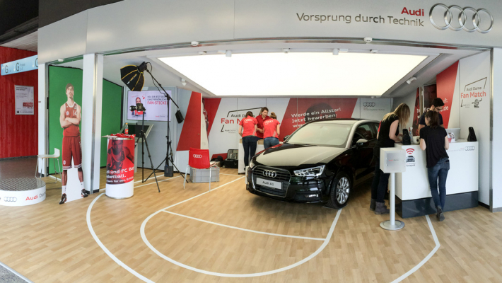 Greenscreen Fansticker-Aktion im Audi Dome