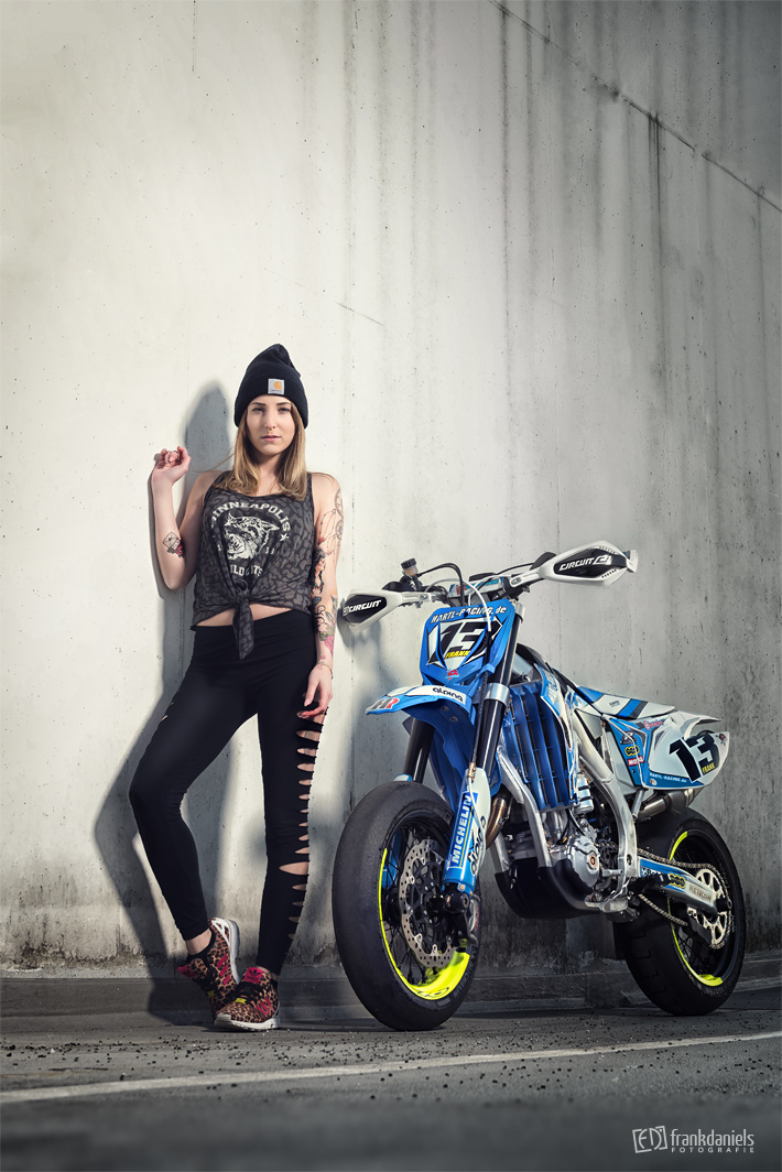 motorrad fotoshooting mit bony kamekatze. Black Bedroom Furniture Sets. Home Design Ideas